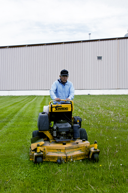 http://stevetwardowski.com/files/gimgs/6_mower.jpg